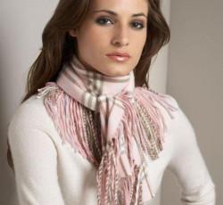 Почему шарф не скрывает, а подчеркивает красоту